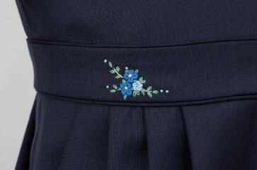 1点1点異なるデザインのハンドメイド刺繍